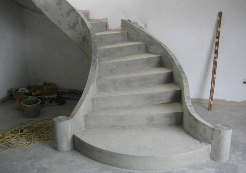 04-poluvint-stairspb.jpg