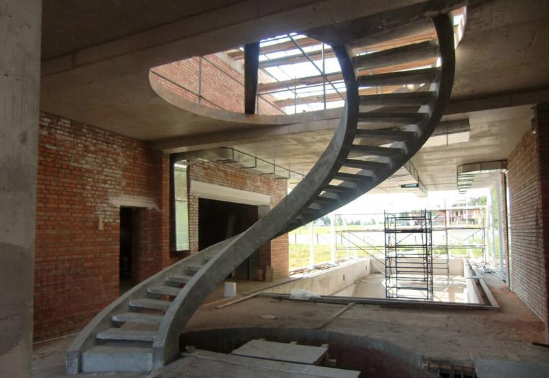 betonnyie-lestn_stroitels_504.jpg