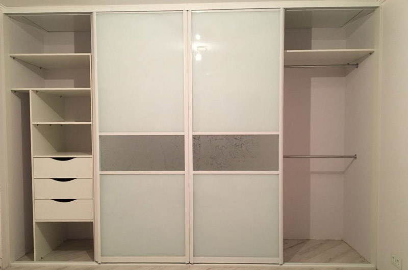 cupboard407_3.jpg