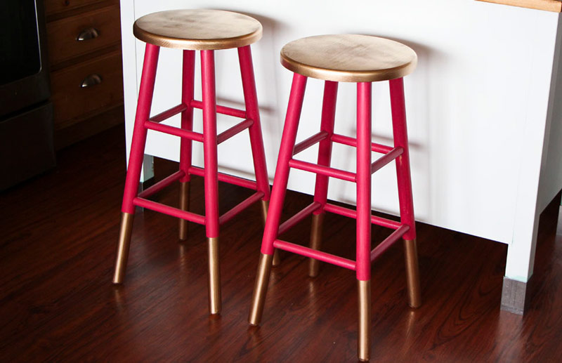 5-ways-to-give-your-old-bar-stools-a-colorful-makeover-4.jpg