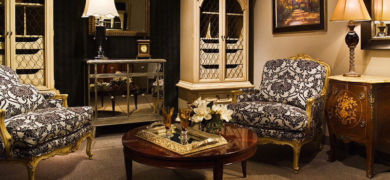 Modern-Antique-Furniture-Mixing-Antique-And-Modern-Furniture-.jpg
