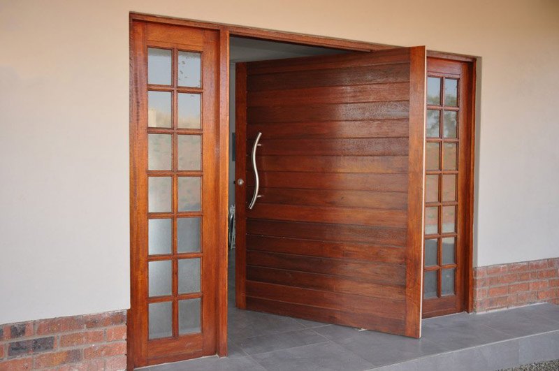 Pivot-Doors-1024x680.jpg