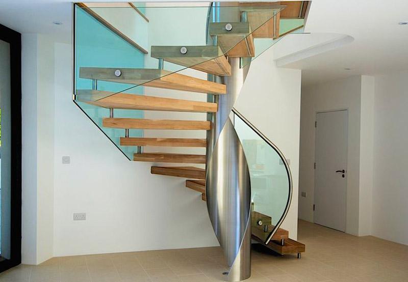 bfb174e8f3e6ed9593ae7aea16d437a1--metal-handrails-glass-balustrade.jpg