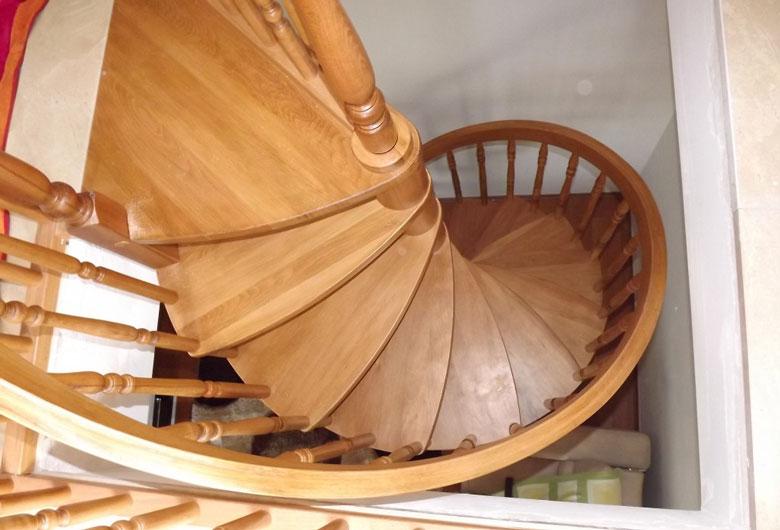ahsap-doner-merdiven-33.jpg