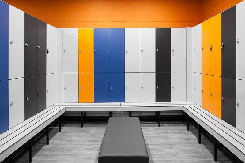 37-estudioamatam-arquitecture-design-gym-kalorias-montijo-mensdressroom-1612x1075.jpg