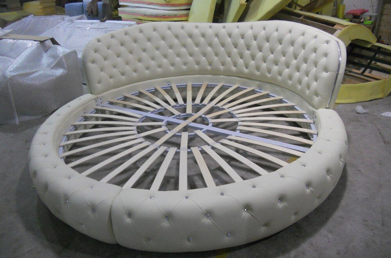 Modern-Designer-italy-Real-Leather-Bed-round-shipping-to-your-port-with-crystal-pearl-on-head.jpg
