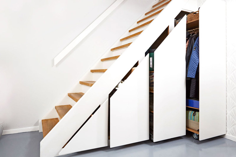 Genialt-skab-under-trappen.jpg