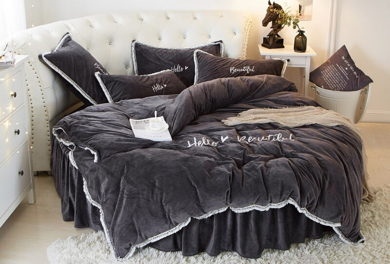 4-pcs-Cashmere-Round-Bed-Sheet-Pillowcase-Duvet-Cover-Sets-Lace-Edge-Pillowcase-Bed-Skirt-Embroidery.jpg
