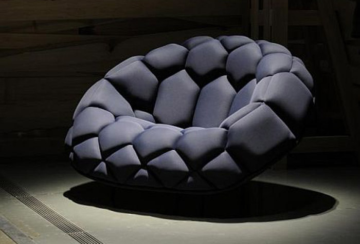 طراحی مبلمان هایی مدرن و زیبا به شکل توپ فوتبال